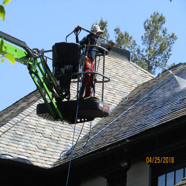 Lift Roof Cleaning Service