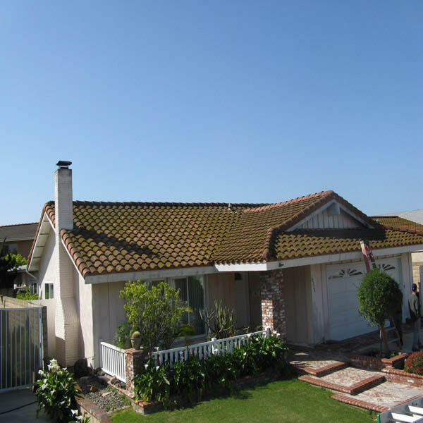 Roof Cleaning Huntington Beach